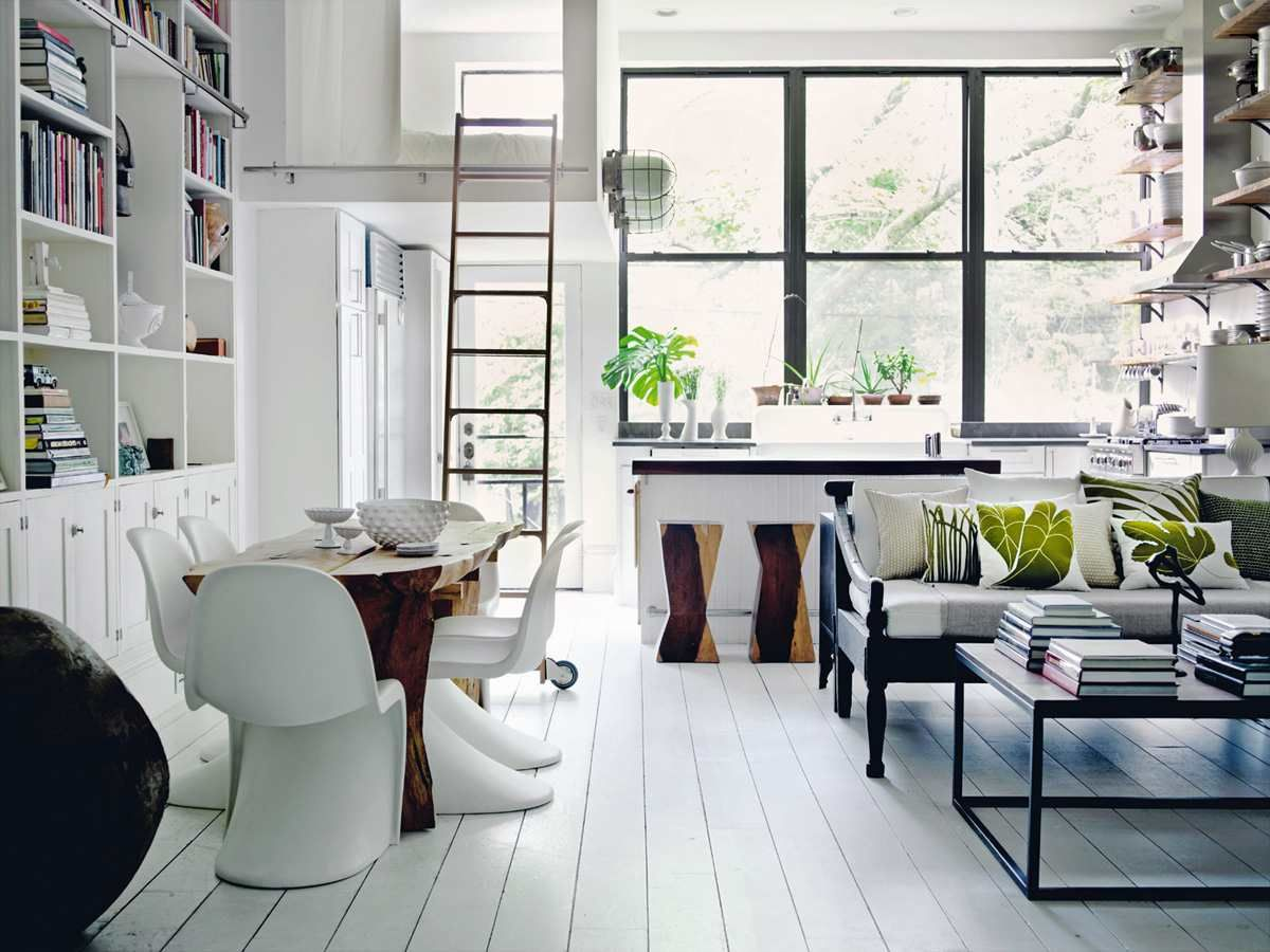 Decorate 1 000 Design Ideas For Every Room In Your Home Holly Becker Joanna Copestick 9780811877893 Amazon Com Living Room Decor Pictures Home Home Decor