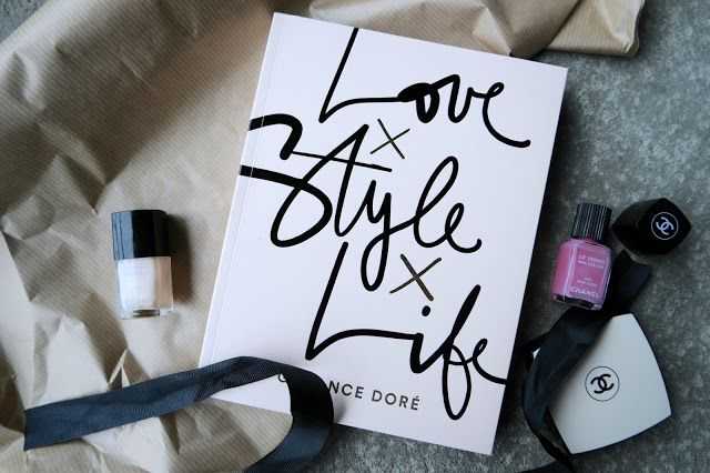 Garance Dore Love Style Life - ladybirds nest - chanel nail polish makeup