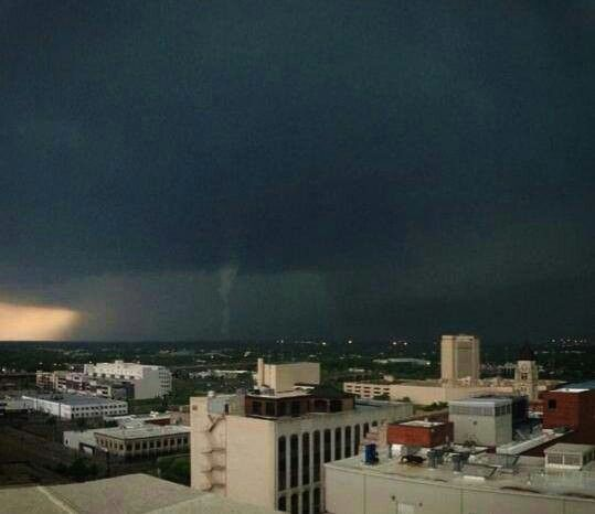 Looking Southwest From Downtown Wichita Ks On Sunday Afternoon 05 19 13 Wichita Overland Park Land Of Oz