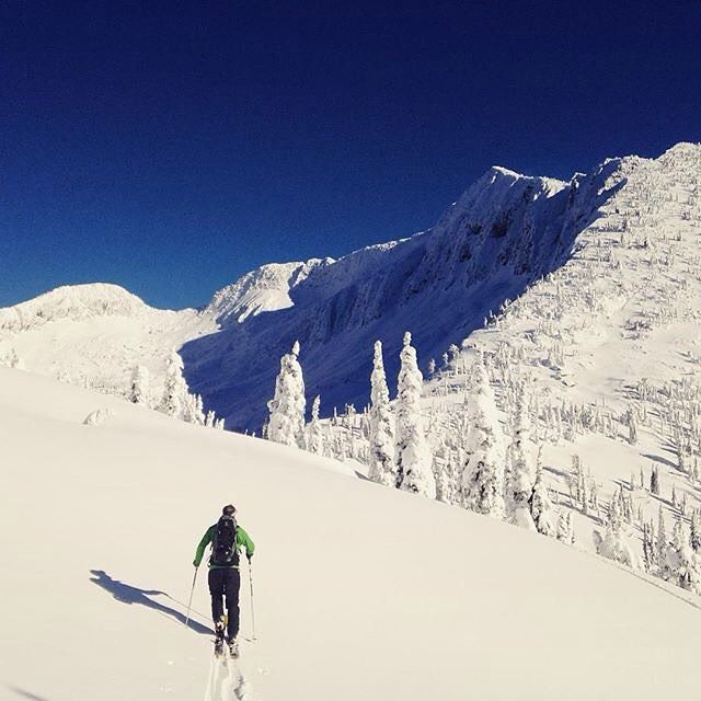 Best Places In The Us To Snowboard: Approaching West Ymir @whitewaterskiresort. Get Outside