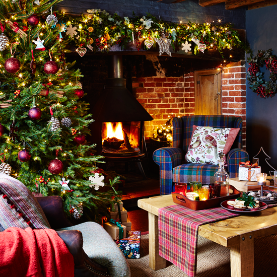 Christmas Decorated Homes: Country Homes Dressed For Christmas