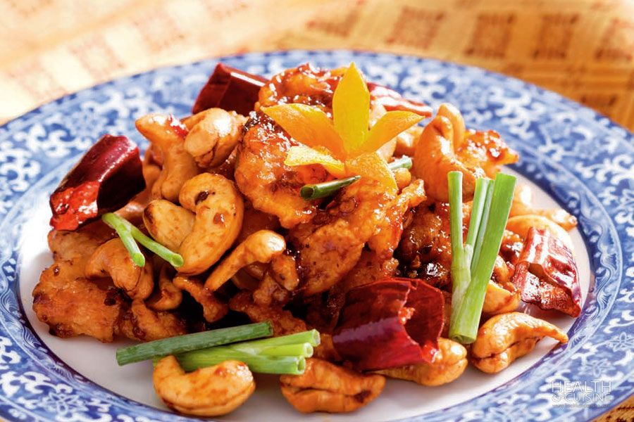 melonyzz - 10 Must-try Thai Dishes - Stir fried chicken and cashew nuts