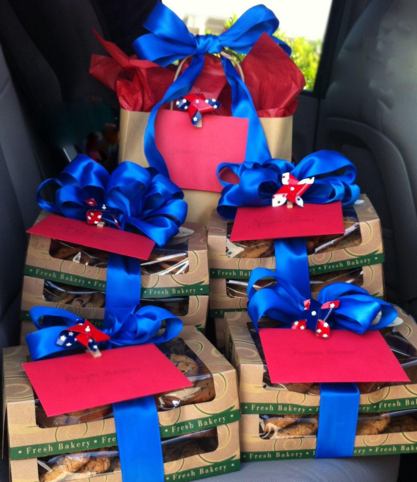 Memorial day cookies along with patriotic pinwheelsdr