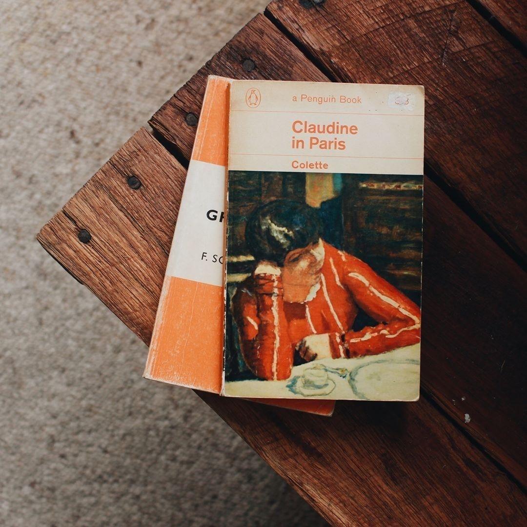 H O L L A Classic Books Book Aesthetic Books