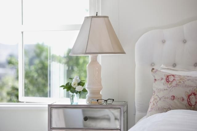 7 Feng Shui Must Haves For Your Bedroom