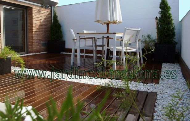 Dise o construcci n y decoraci n de terrazas peque as con for Madera para patios exteriores