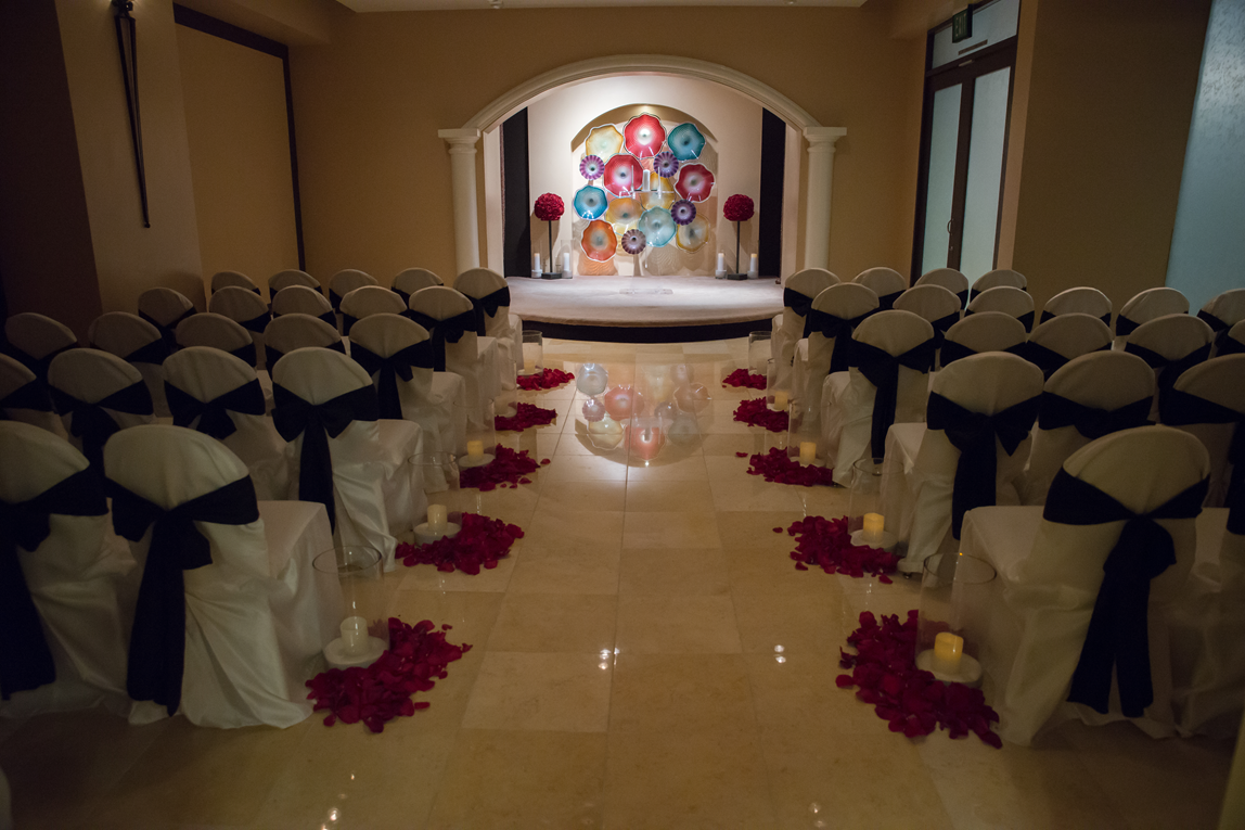 The Chapel At Planet Hollywood Las Vegas Weddings Red And Black Candle Light Ceremony Https