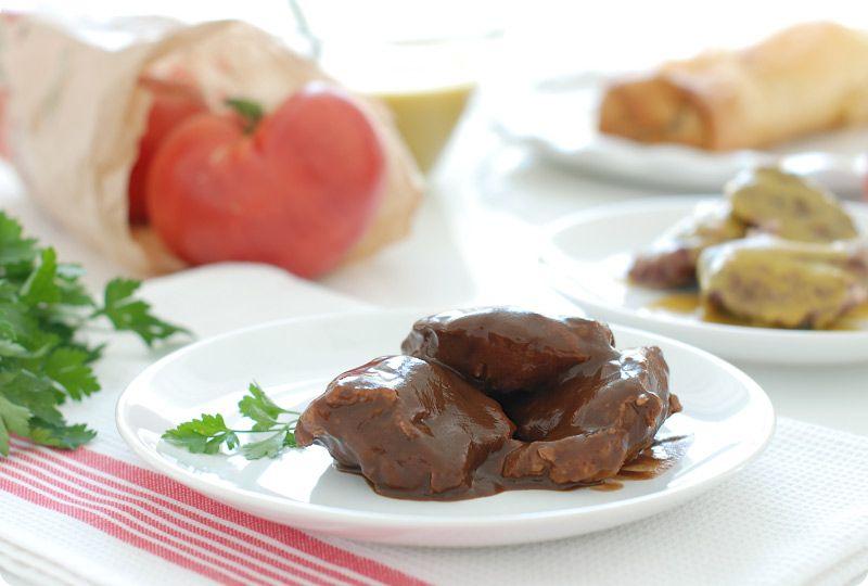 Carrilleras de cerdo glaseadas en cocotte