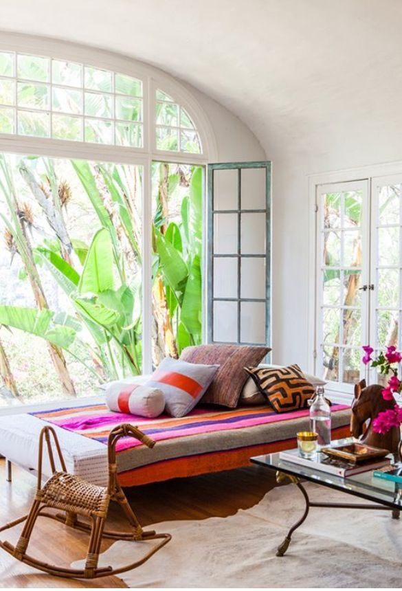 daybed by the window in the livingroom