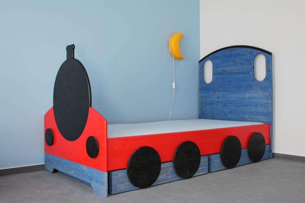 Eisenbahnbett Mit Zwei Bettkasten Dieses Bett Zu Bauen Hat Richtig