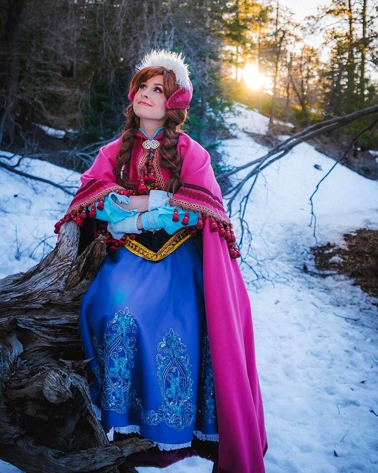 Traci Hines [as Anna] (Cosplay by TraciHinesMusic @Facebook) #Frozen