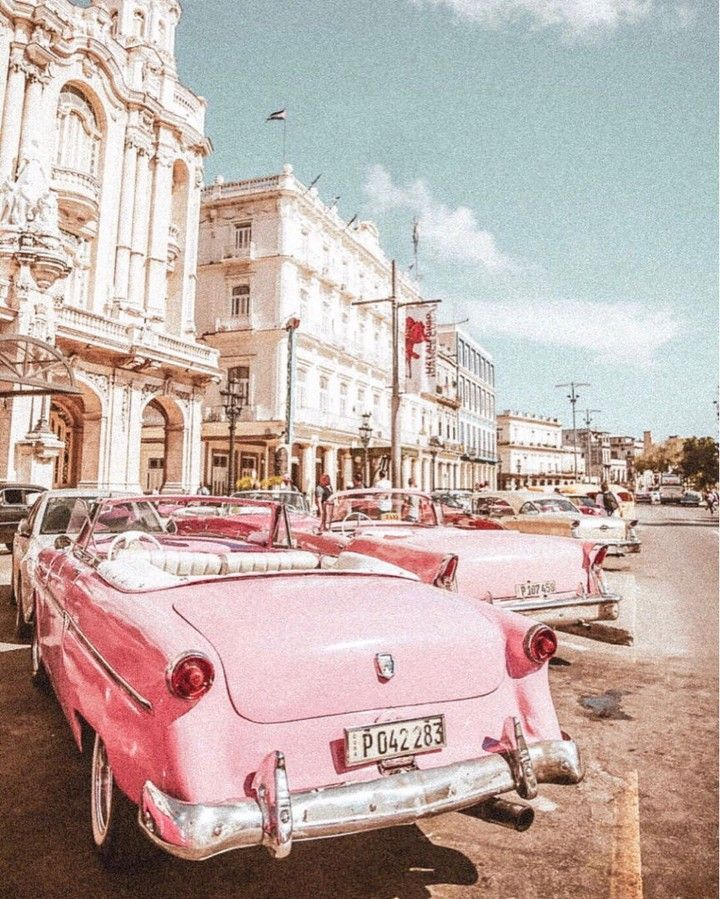 Get Closer To The Vintage Luxury Lifestyle Http Essentialhome Eu Aesthetic Pictures Aesthetic Vintage Retro Cars