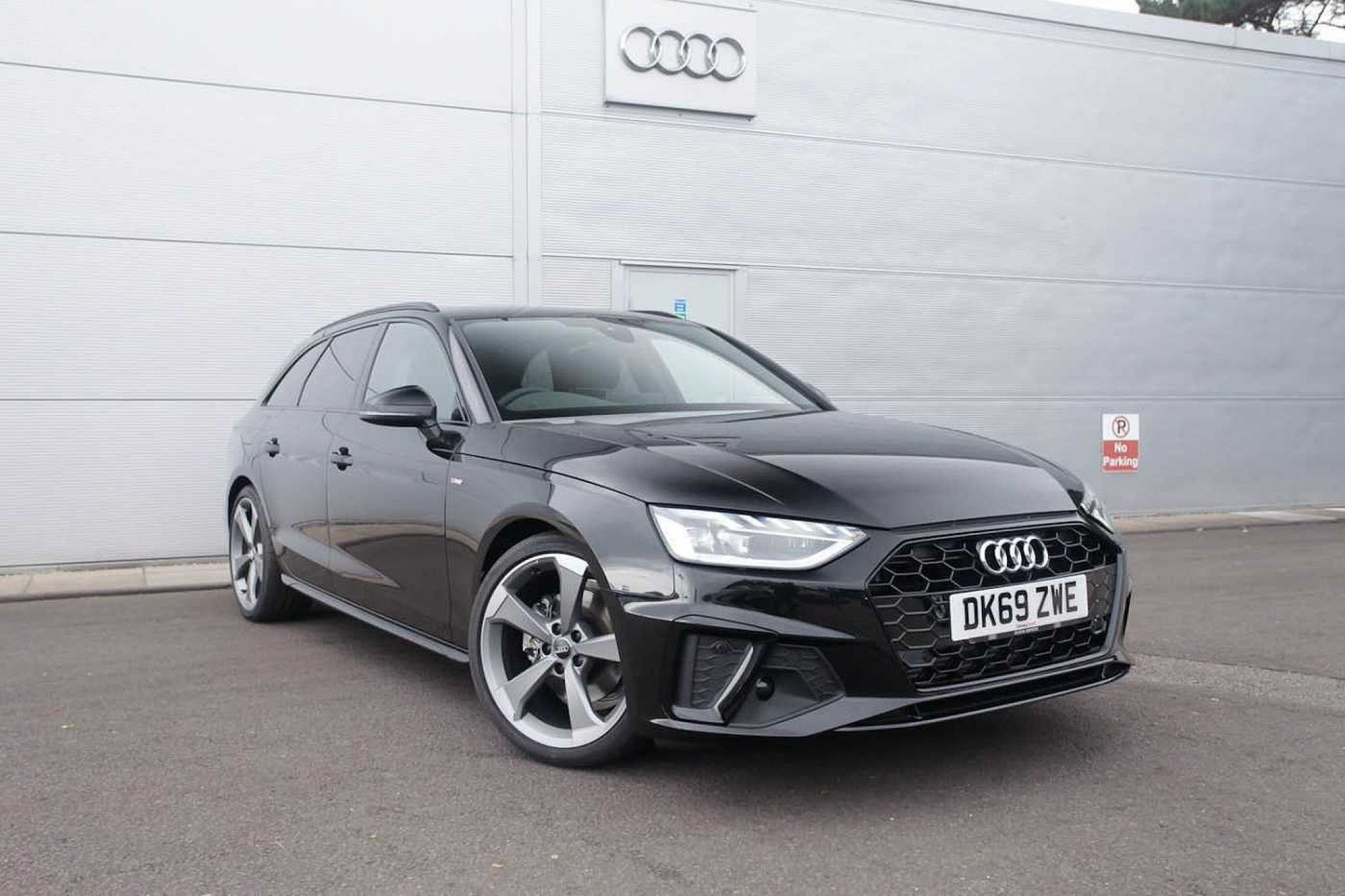 Audi A4 35 Tfsi Black Edition 5dr S Tronic In 2020 Audi A4 Audi Used Audi