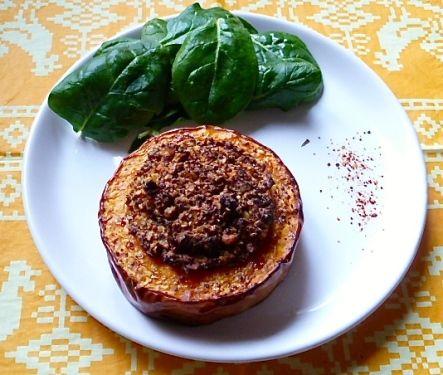 Nids de butternut au quinoa rouge et aux noix - Vegan