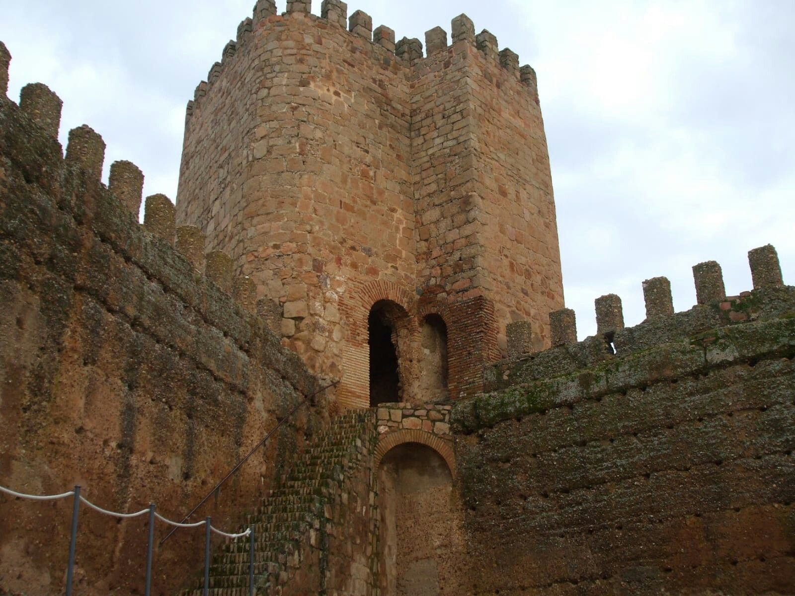 Castillo De Banos De La Encina Jaen Castillos Viajes Banos