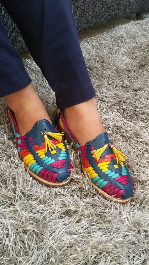 c58636974c7e1 Mexican Sandals, Mexican Huarache sandals, Mexican shoes US 6, 8, 9, Pompom  boho sandals, mexican le