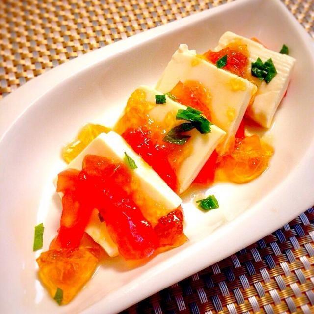 冷や奴の変形簡単メニューですよぉ〜 - 48件のもぐもぐ - 豆富とトマトの青じそだしポン酢ジュレ by 中西 ツヨシ