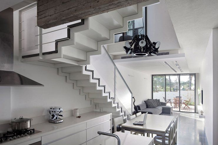 House Y, Tel Aviv, 2009 by ohad yehieli architect #architecture #stair #villa #house #archilovers #israel #telaviv