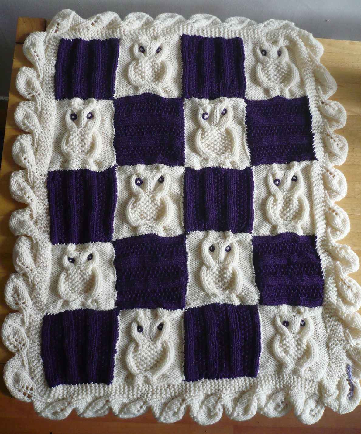 Free Knitting Pattern for Cable Owl Square | Colourful blankets ...