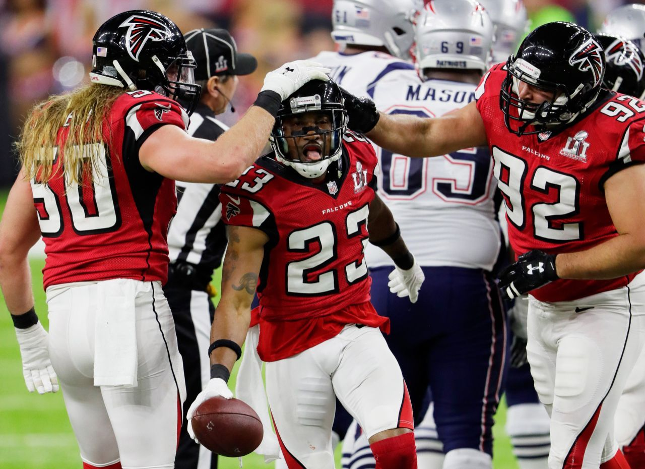P Robert Alford 23 Of The Atlanta Falcons Reacts After A Fumble In The Second Quarter Against The New England Pa New England Patriots Atlanta Falcons Atlanta