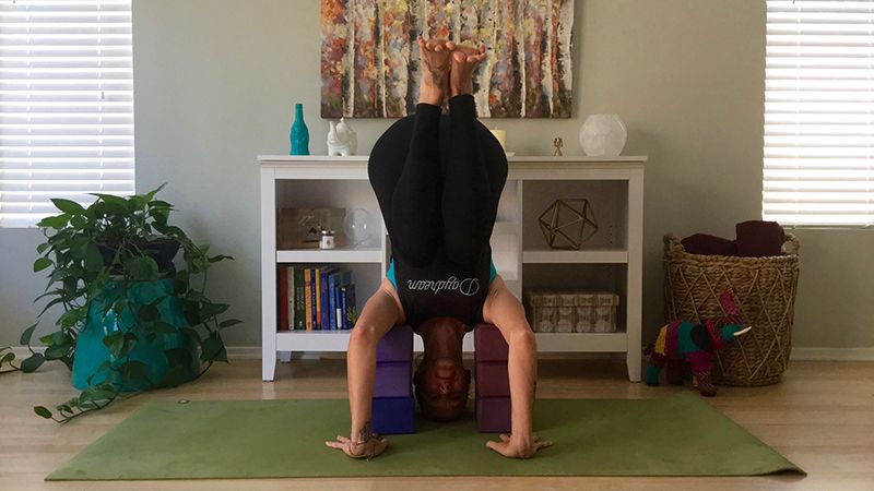 Safe Modification For Headstand With Images Yoga Poses