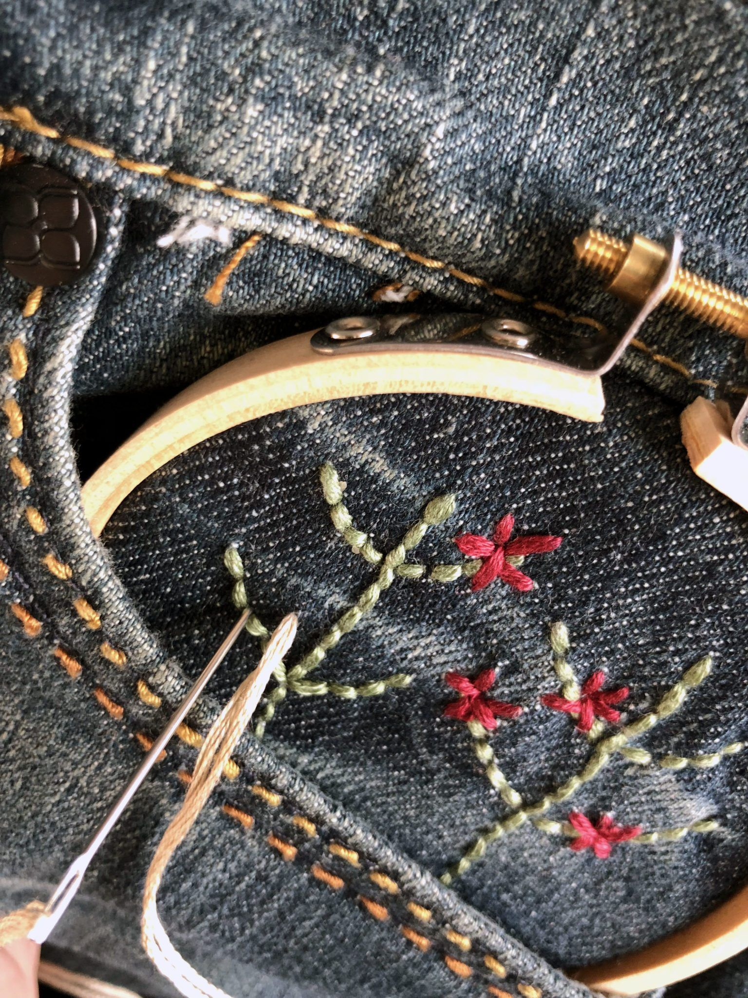 flower embroidered jeans diy
