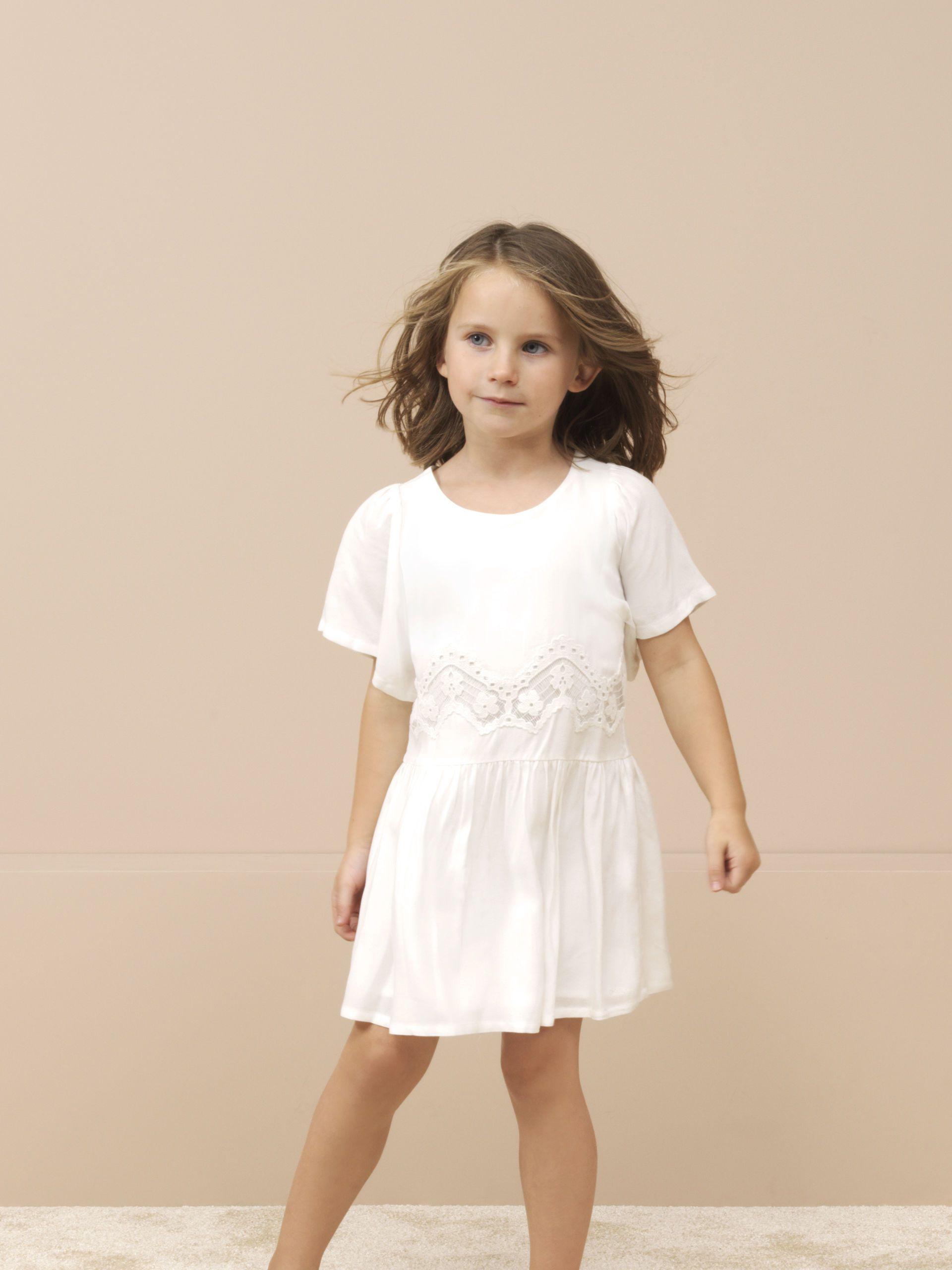 Basic White Dress Chloe Kids 2017 Vestido Basico Branco Chloe Kids 2017 Kids Fashion Fashion Embellished Dress [ 2560 x 1920 Pixel ]