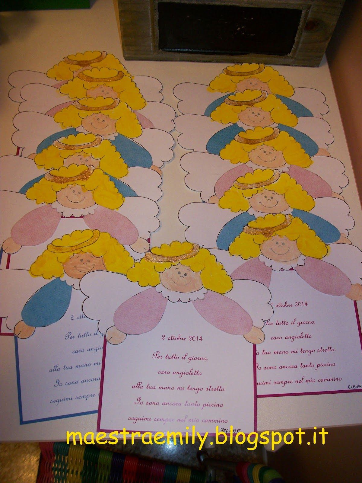 Scuola dell 39 infanzia bambini classe sezioni festa dei for Angeli per bambini da colorare