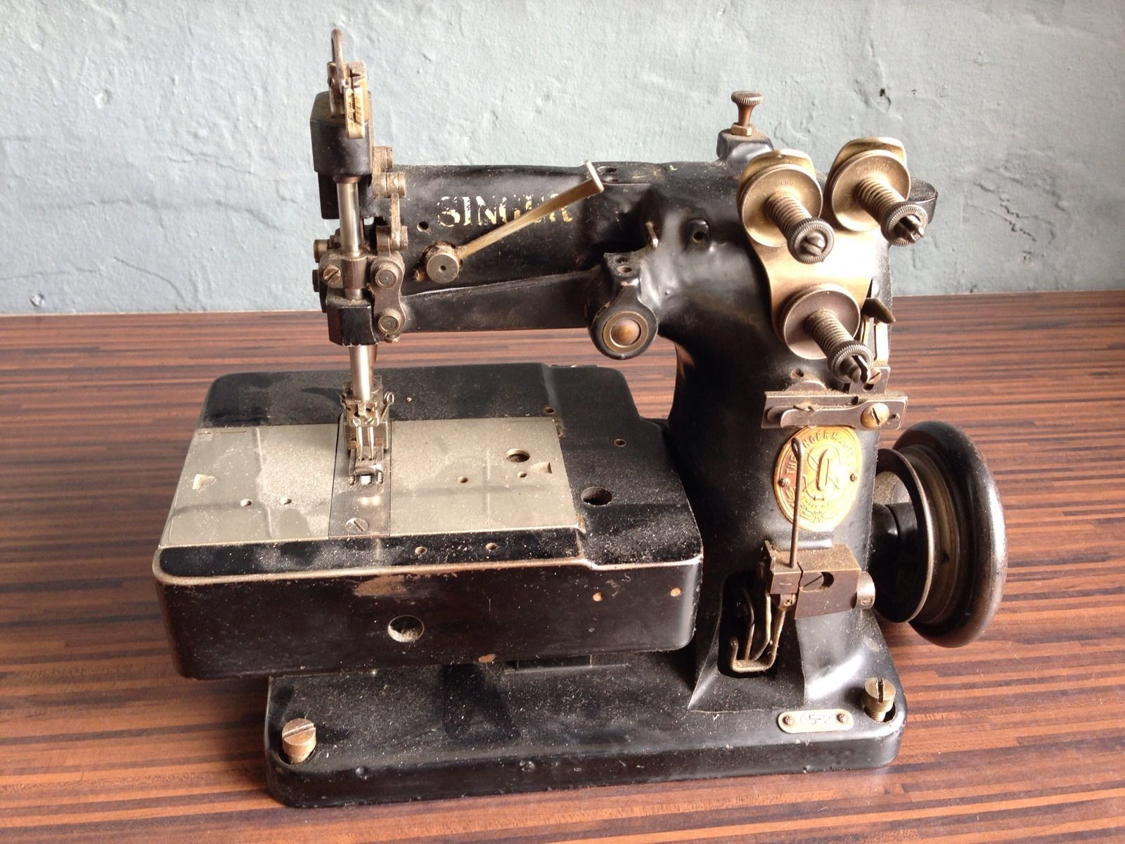 03G Lederriemen für alte Nähmaschine