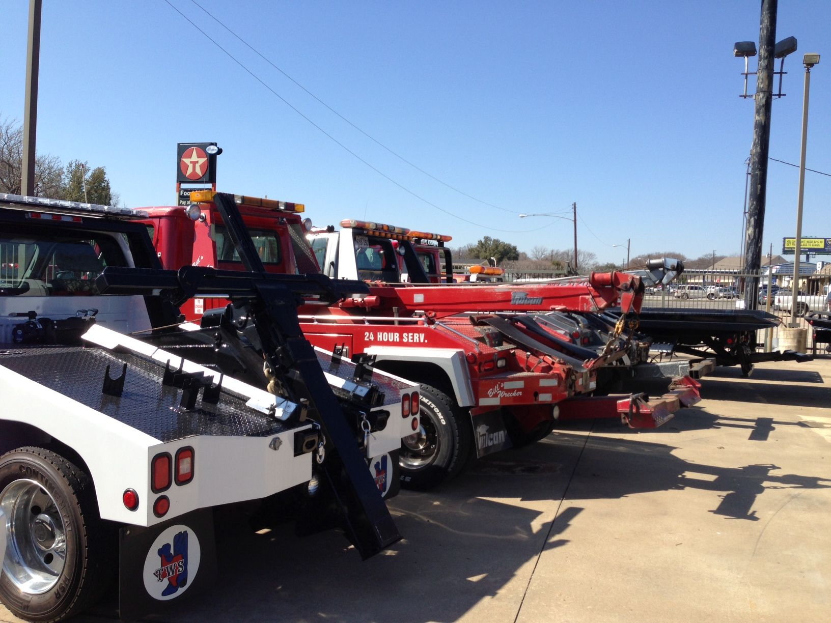 Naperville Classic Towing provides inexpensive 24 hour support which