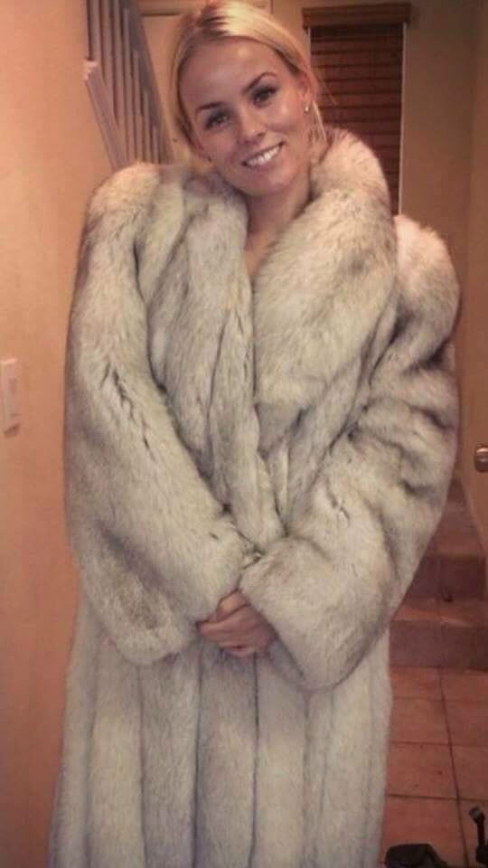 Miley Cyrus sparks Twitter outrage over wearing fur coat
