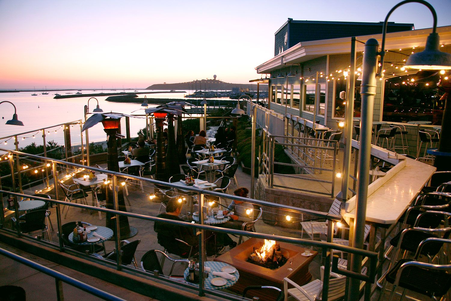 19 Restaurants With Stunning Views Amp Up The Romance At These Dining Spots Best From Mountains To Sea