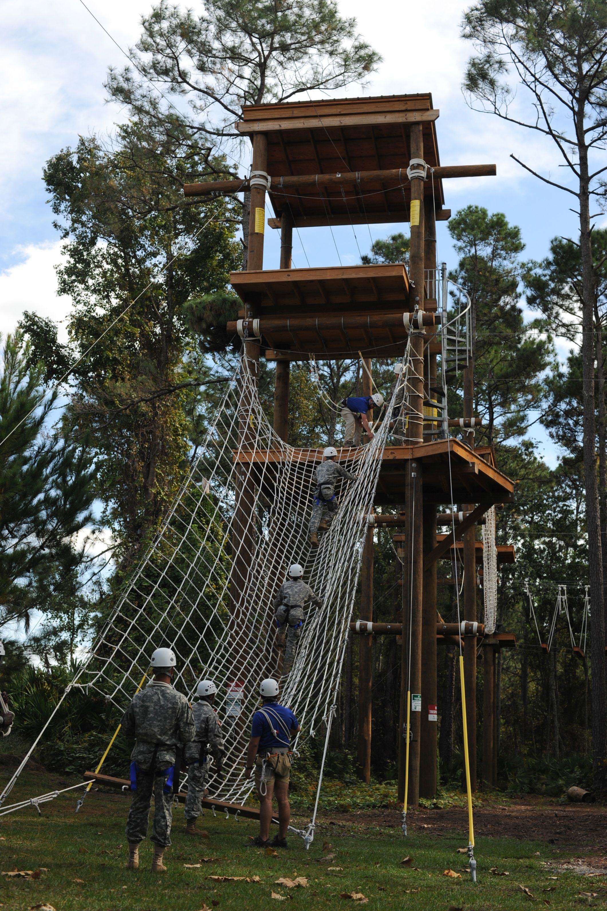Rotc Students Take A Turn On The Osprey Challenge Ropes