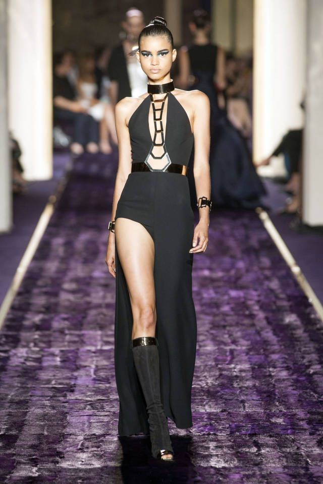 Atelier Versace Fall 2014. See all the best looks here.