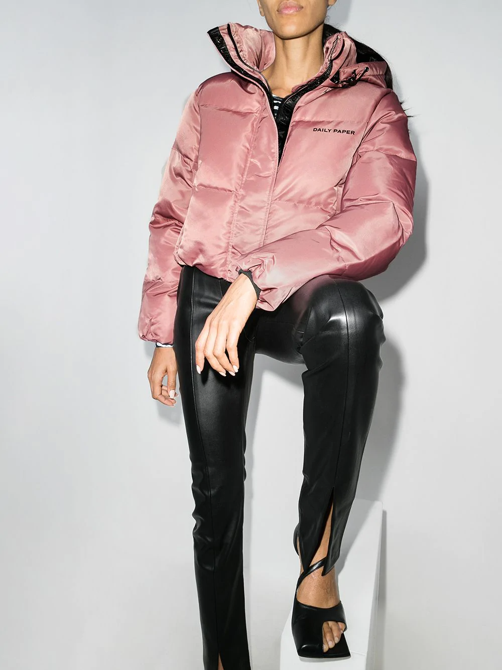 Daily Paper Cropped Puffer Jacket Farfetch Cropped Puffer Jacket Jackets Puffer Jackets [ 1334 x 1000 Pixel ]