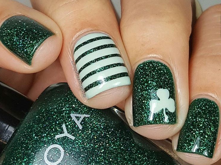 21 Holiday Nail Art Ideas For 2017 Holiday Nail Art And Manicure