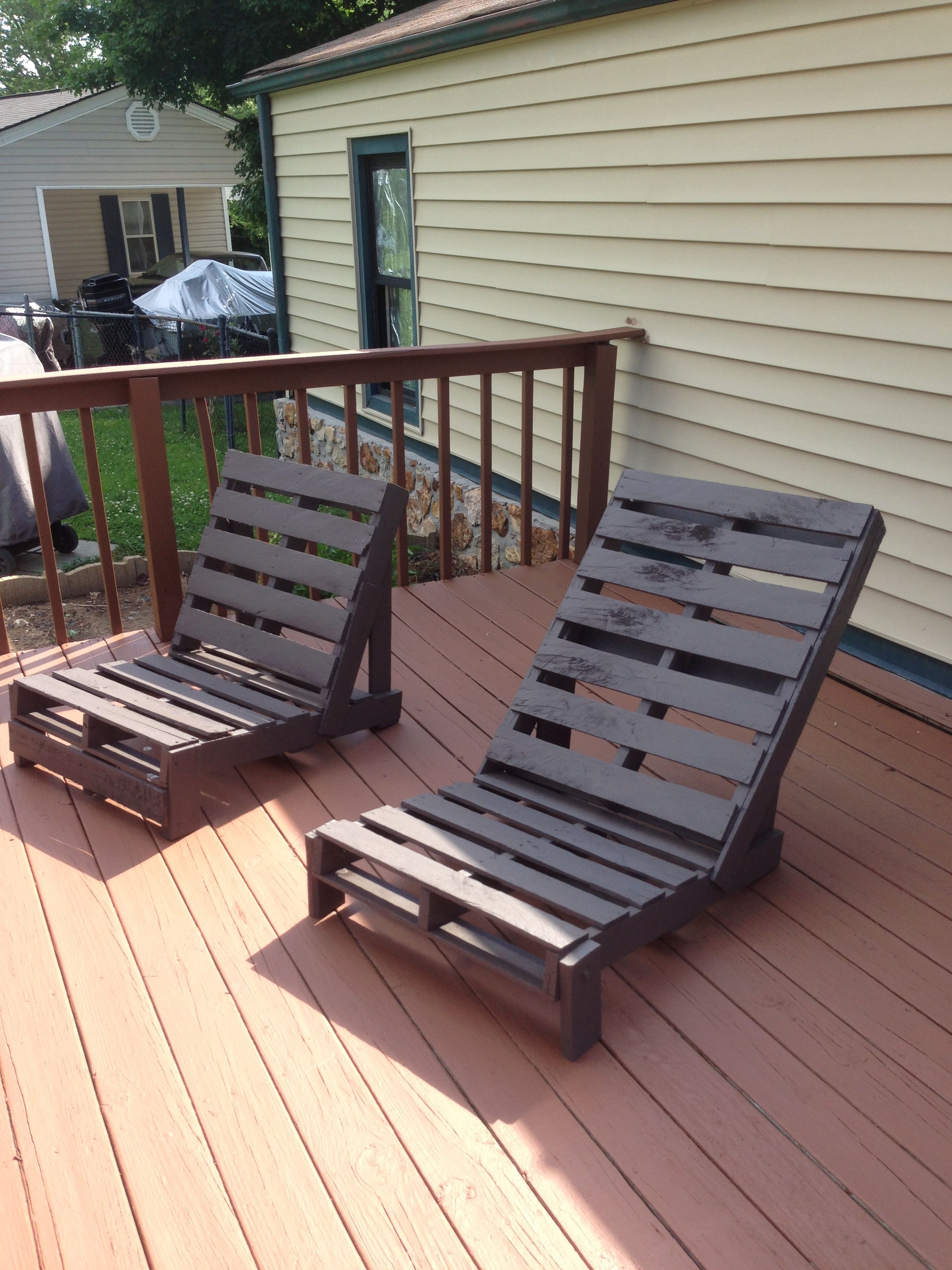 Pallet Chairs Deck Home Diy