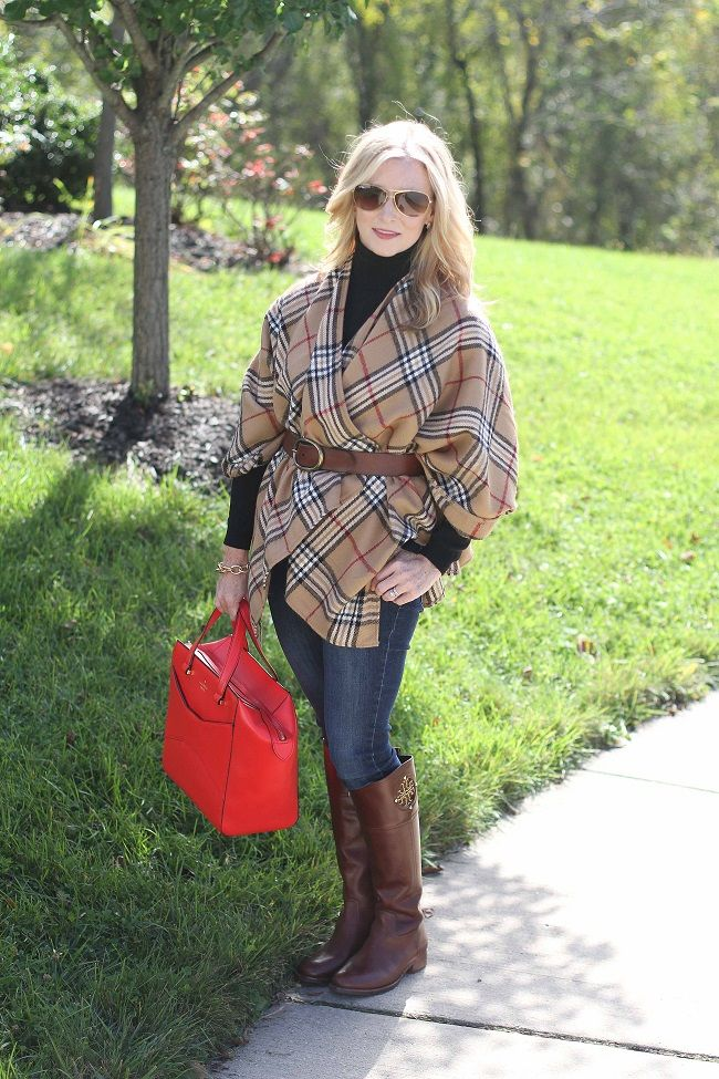 Wrap yourself up in warmth this fall in a cozy cape!  http://www.simplylulustyle.com/2013/10/wrapped-up.html