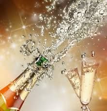 Are you ready for the most common and secular tradition? Awesome New Year Even! #champagne #bubles #baacco #winecase