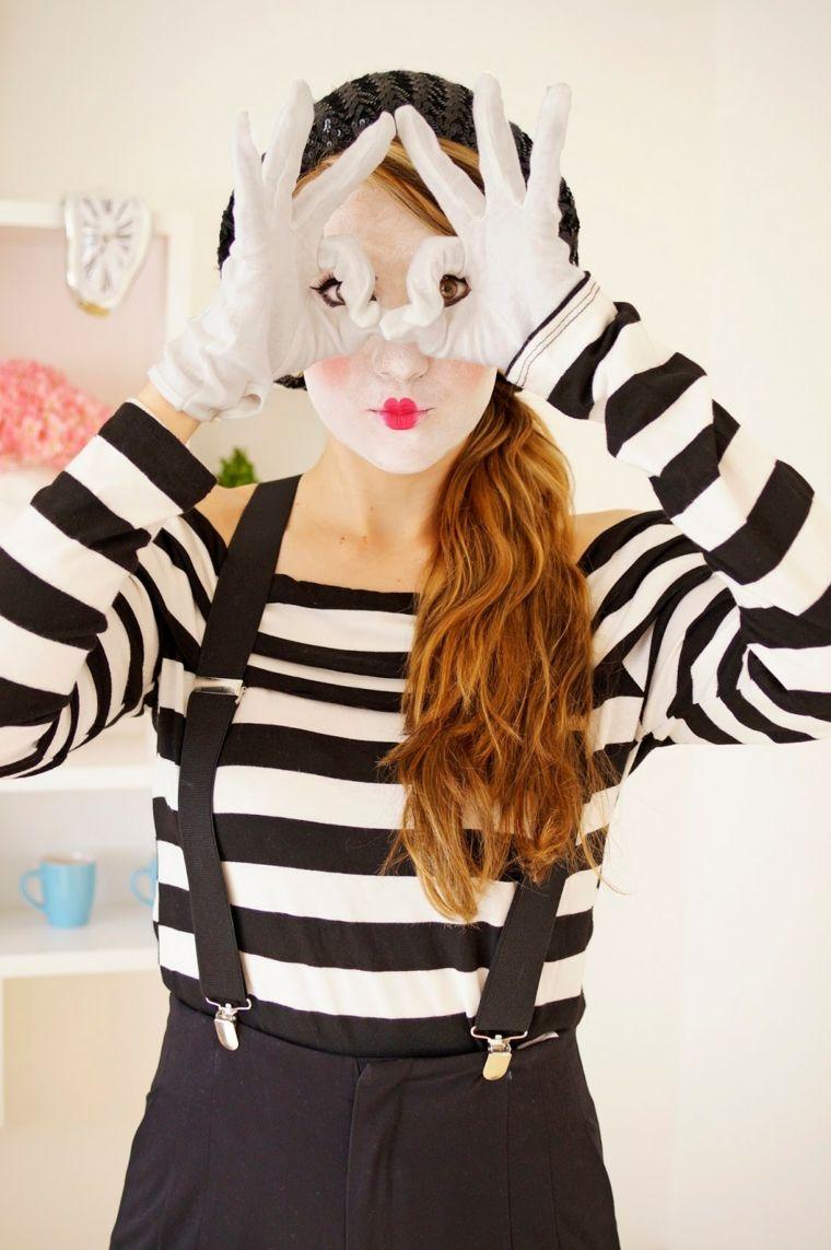 vendibile vasta gamma bellezza Vestiti Halloween fai da te di una ragazza travestita da un ...