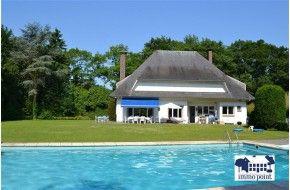 Immo Point - Klassieke franse stijlvilla op 2.900 m² - Woning - BRASSCHAAT