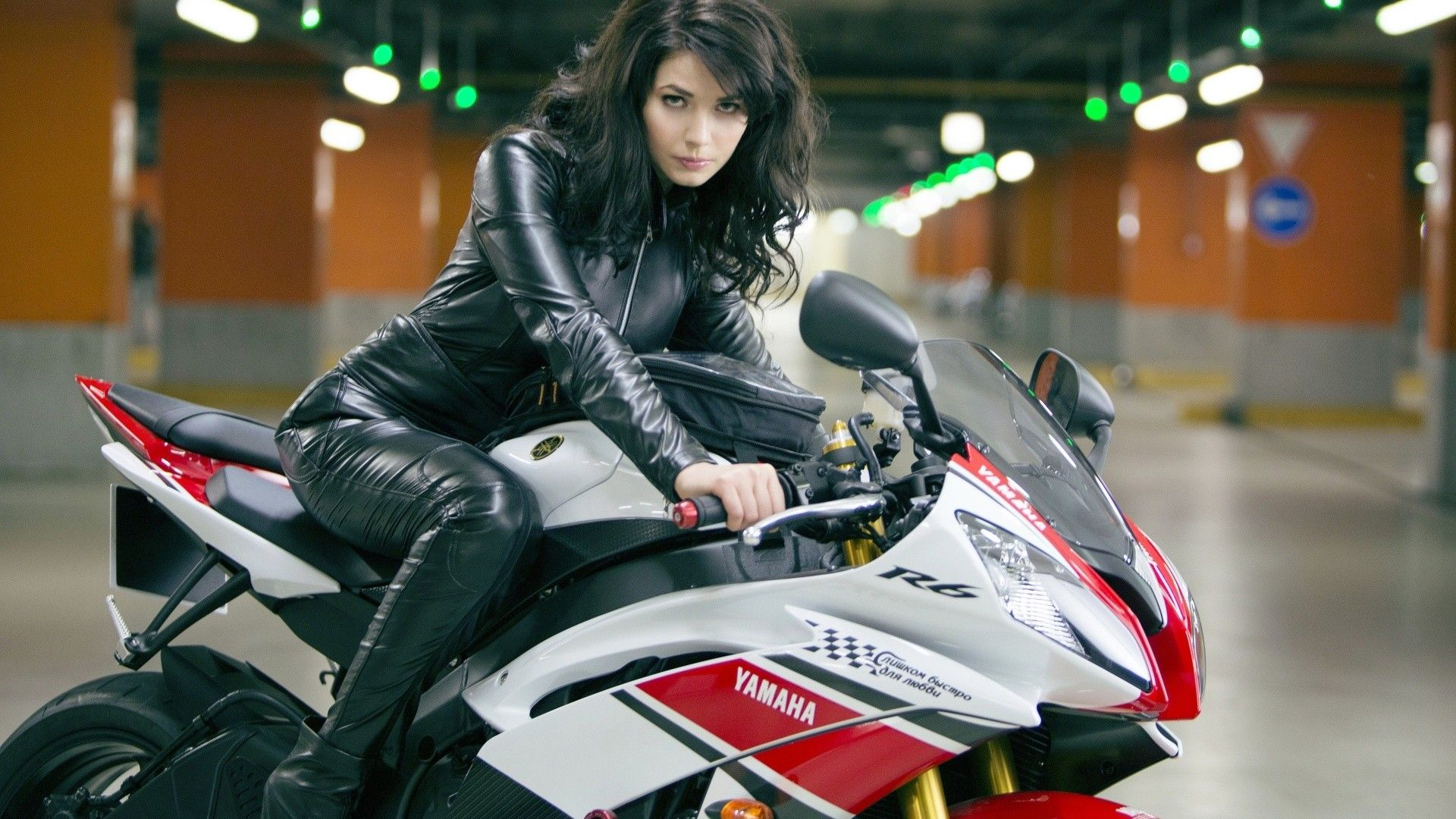 Yamaha motorcycle gloves india - Yamaha Girl