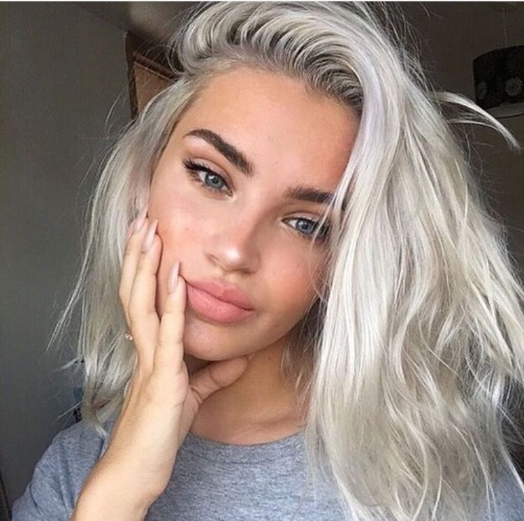 Silver hair and skin perfection #perfecteyebrows