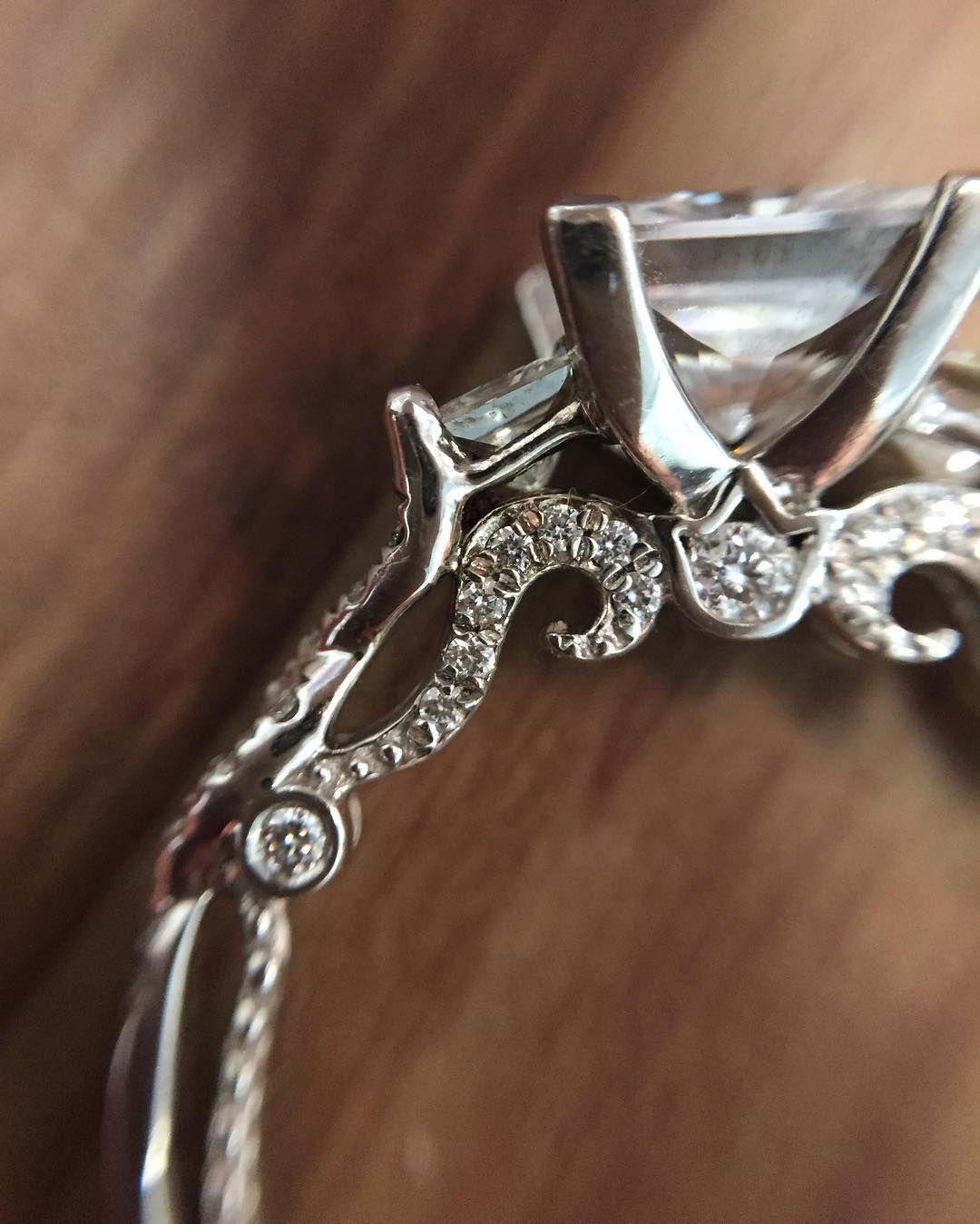 bed371e7d72e9 Verragio Ladies 18K White Gold Diamond Engagement Ring Setting ...