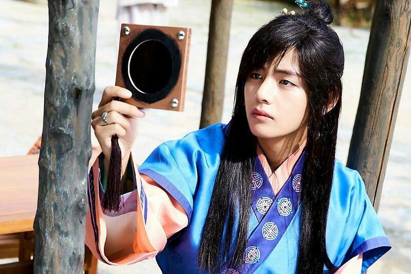 Taehyung ❤ Hwarang Episode 3! WATCH HWARANG TONIGHT! #BTS #방탄소년단   Hwarang, Hwarang taehyung, V hwarang