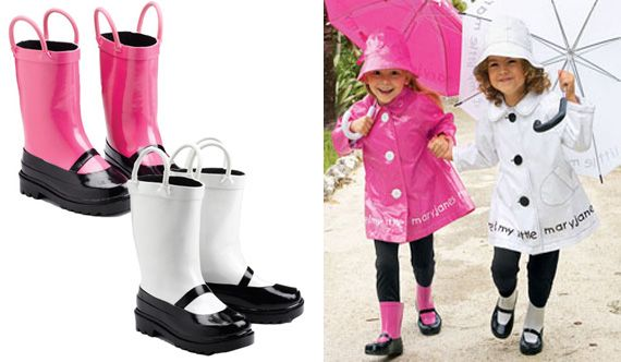 I wish they made these boots in big girl sizes, I adore them. How fun would these be to wear splashing in the rain?