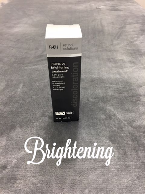Do you suffer from discoloration? This retinol formula has antioxidants and vitamins that promotes a clear complexion, even skin tone and reduces inflammation. #zarabellaskincare #facial #chemicalpeels #eyelashextensions #waxing #skincareineverett #everett #skincareinseattle #seattle #pnw #beauty #skincare #decemberspecial #happyholidays #pca #pcaskin