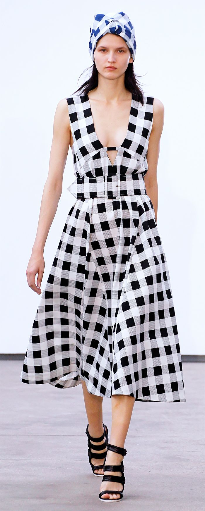 Gingham...in love with the dress