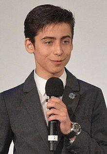Aidan Gallagher - Wikipedia