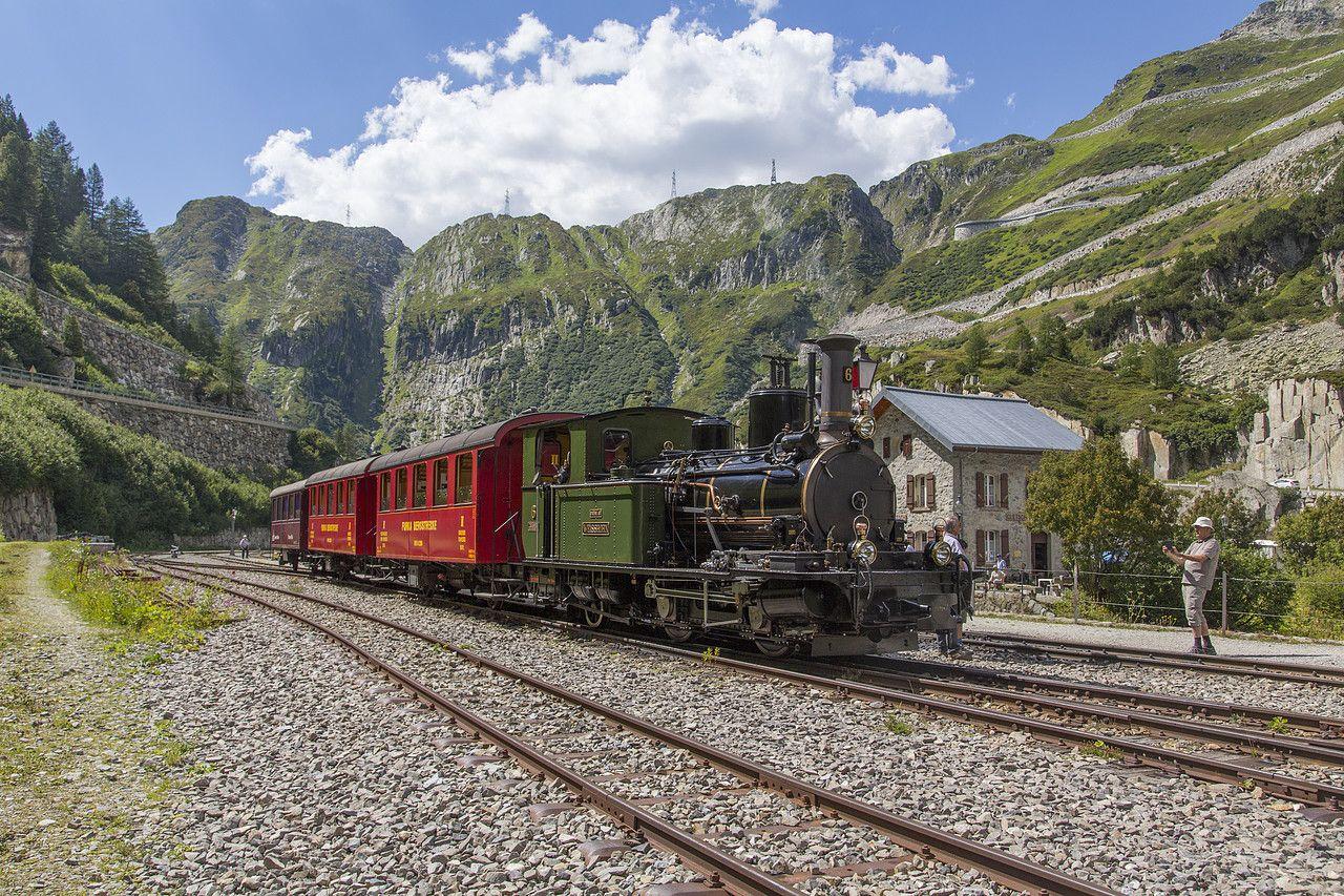 HG 2/3 der DFB (Dampfbahn Furka Bergstrecke) in Gletsch ...